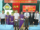 Khen thưởng GV có thành tích trong việc bồi dưỡng HSG đạt giải